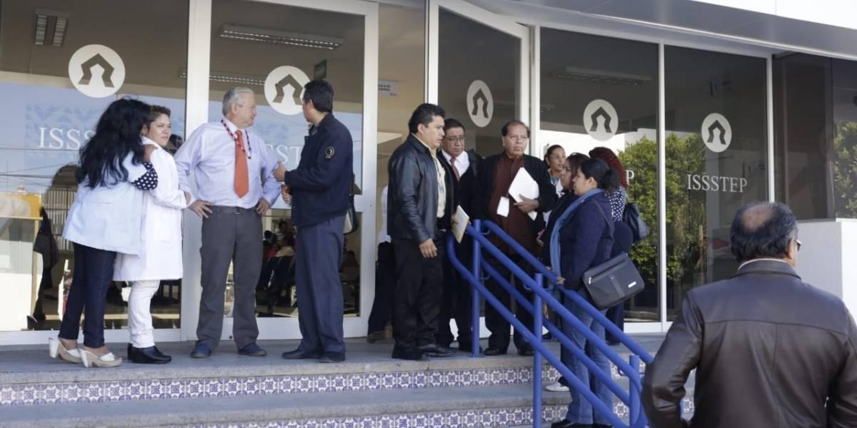Issstep da de alta al primer paciente con coronavirus en Puebla
