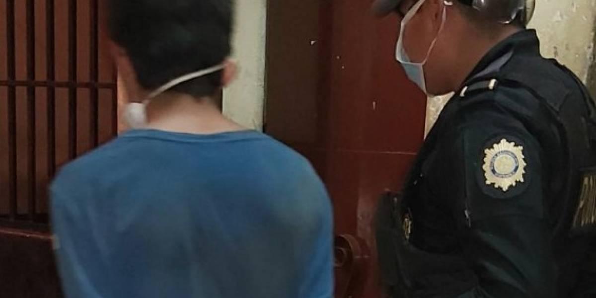 Capturan a supuesto ladrón durante toque de queda, las víctimas lograron denunciar