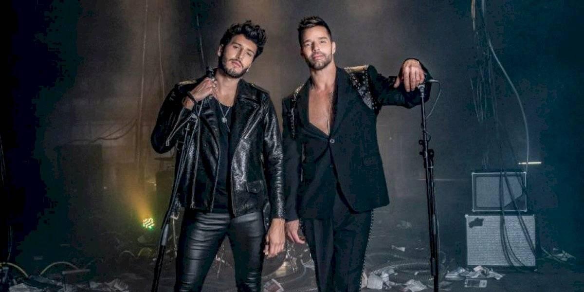 Sebastián Yatra y Ricky Martin gritan al mundo que 'Falta amor'