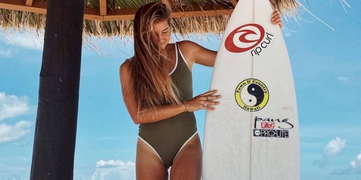 Surfista queda 'atrapada' en isla paradisíaca por el coronavirus