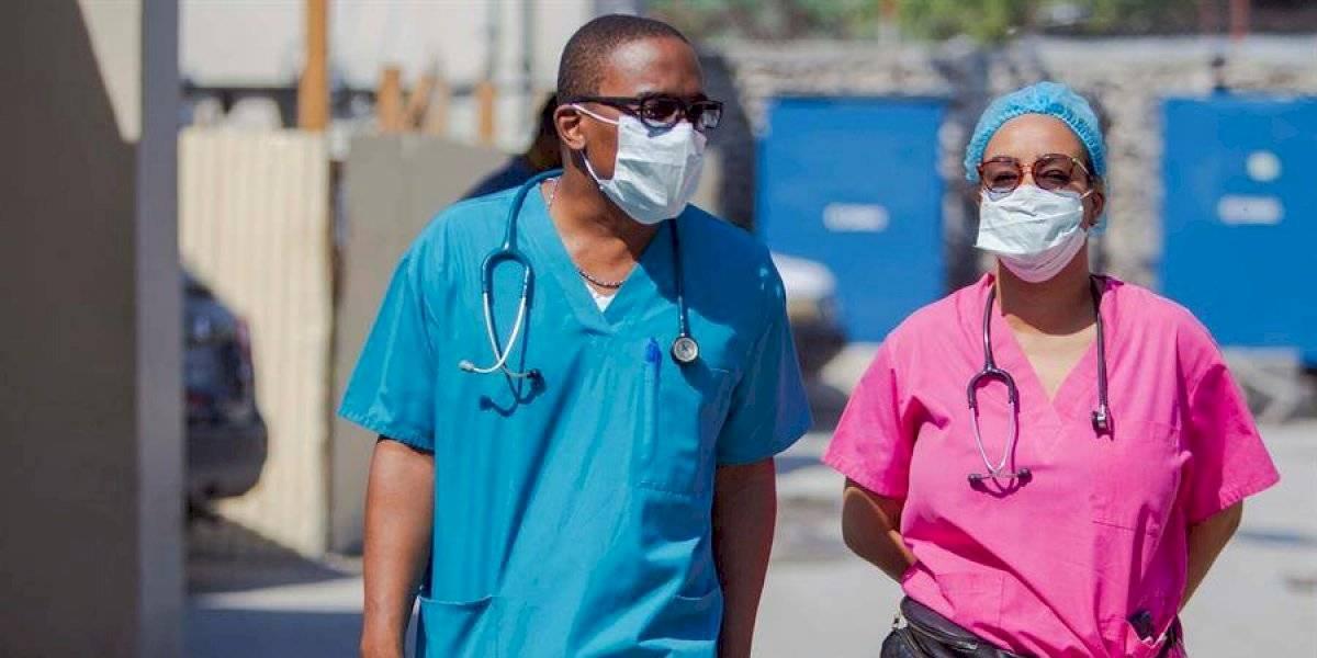 Estados Unidos podría llegar a los 100.000 casos de COVID-19 por día advierte epidemiólogo