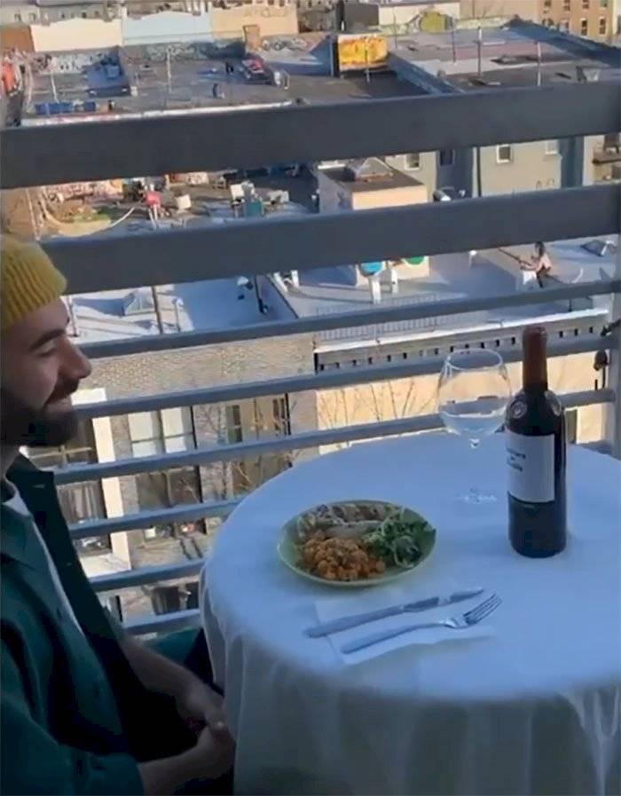 Cena en cuarentena