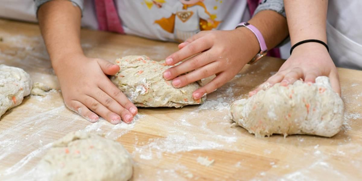 Tres fáciles postres para hacer con la ayuda de los niños de la casa y sin horno