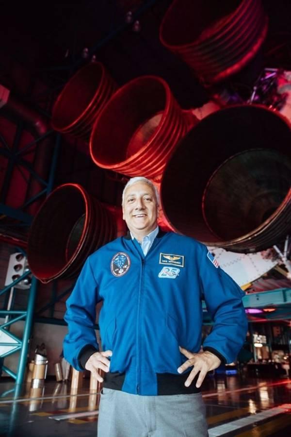 Michael Massimino, ex astronauta de la NASA y la primera persona en twittear desde el espacio