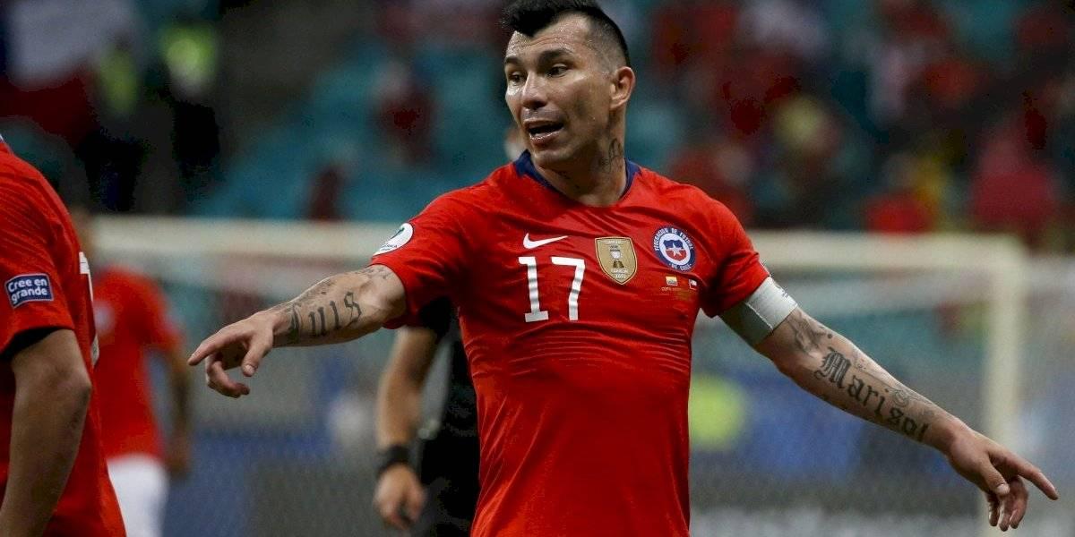 """Elías Figueroa se derrite ante Gary Medel: """"Me habría encantado hacer dupla con él en la Roja"""""""