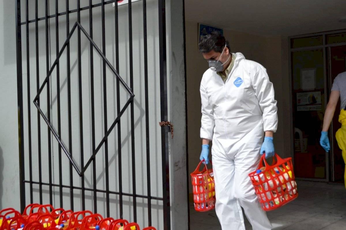 Se entregan más de 1.500 kits de comida a personas de escasos recursos API