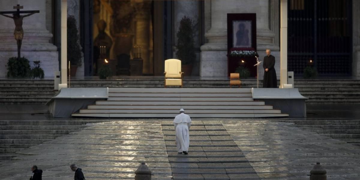 Vaticano desmiente que el Papa sufra de coronavirus