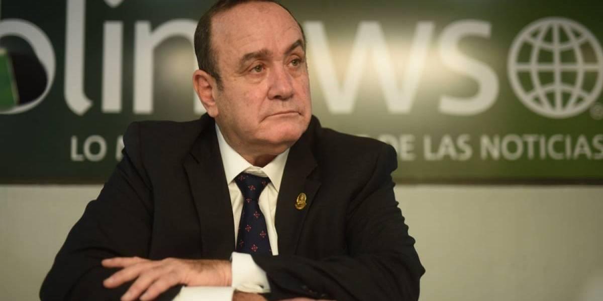 """Giammattei: """"Hemos decidido ampliar el toque de queda para poder continuar la contención del coronavirus"""""""