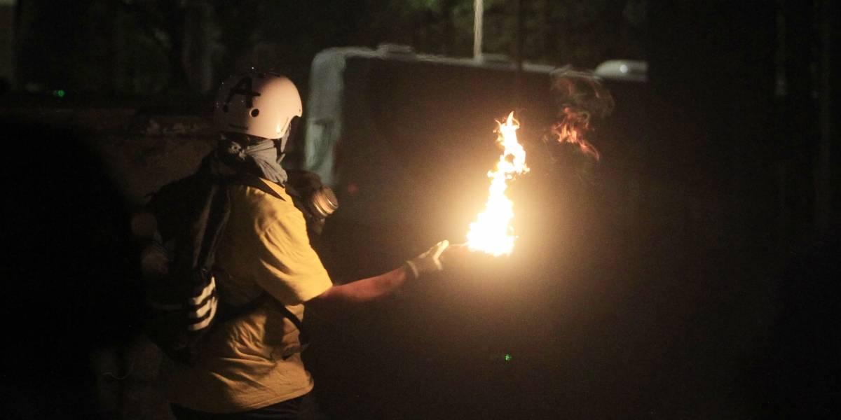 Detienen a sujeto que atacó con 3 bombas molotov a comisaría de Quilicura