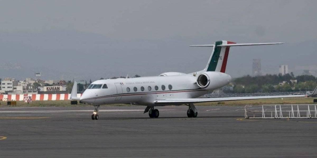 Avión de la Fuerza Aérea repatria a 49 mexicanos varados en Cuba