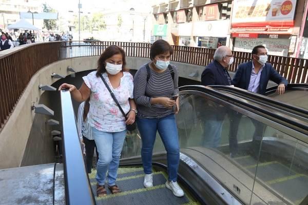 Fábrica de autos Seat hace respiradores artificiales con motores de limpiaparabrisas