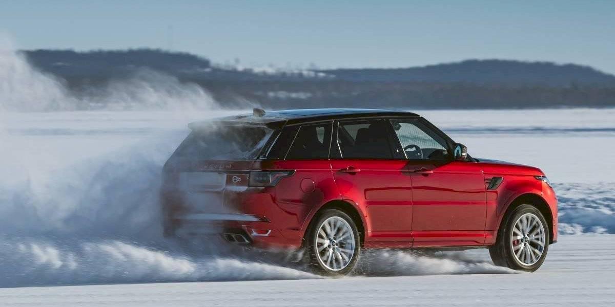 Land Rover celebra los 50 años del Range Rover con todo… y nieve