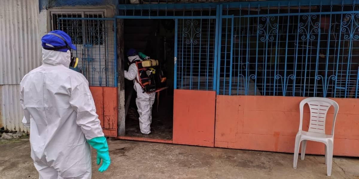 Varios sectores del Guayas están siendo fumigadas por crisis del coronavirus