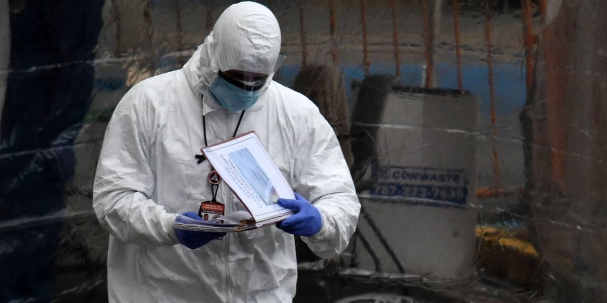 Estados Unidos busca personal médico afuera para lidiar con COVID-19