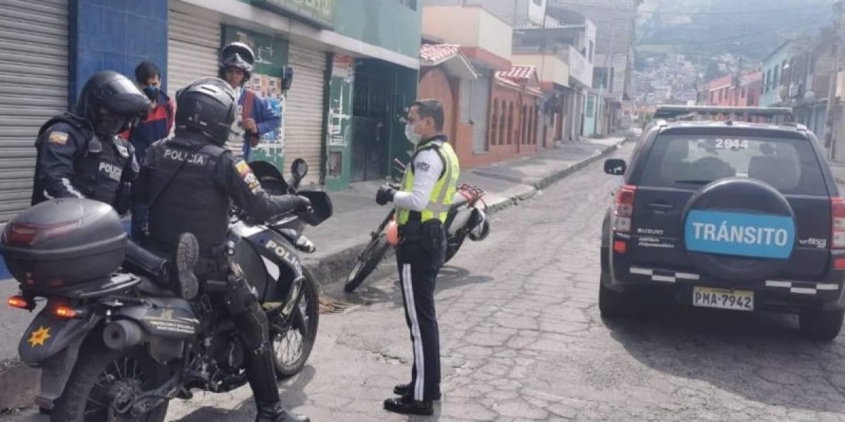 801 personas sancionadas por incumplir restricción vehicular en Quito