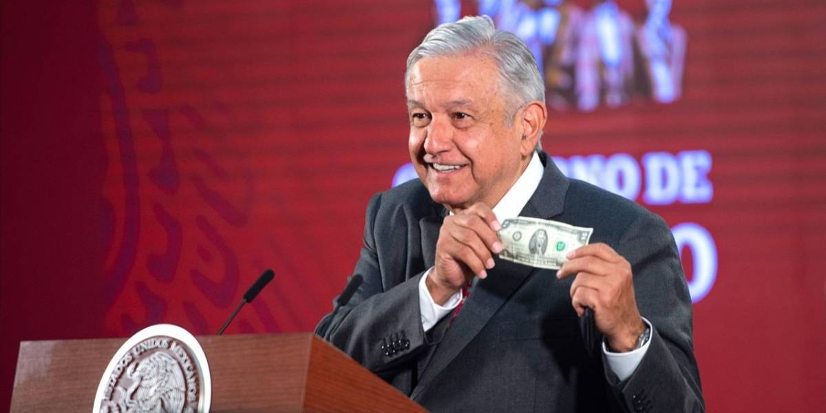 Por Covid-19, 'congelará' AMLO sueldos de altos funcionarios públicos