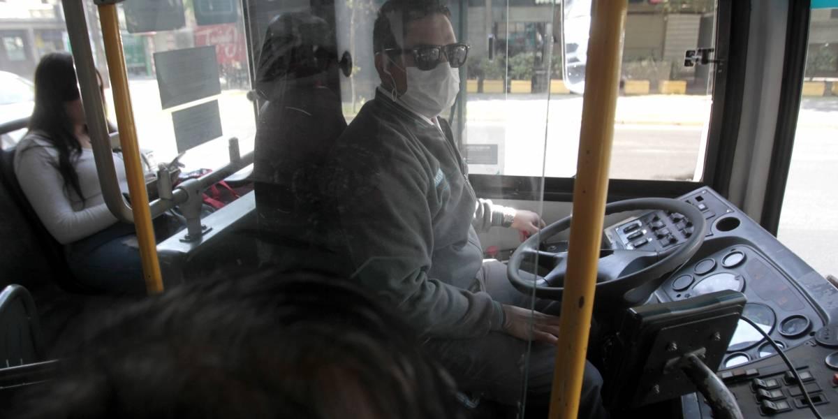 Buses del Transantiago deberán abrir segunda y tercera puerta para acceso de pasajeros