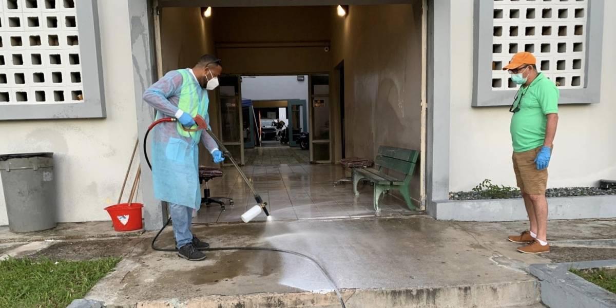 Cierran la Oficina de Manejo de Emergencias Municipal de Vega Alta por sospecha de contagio por Covid-19