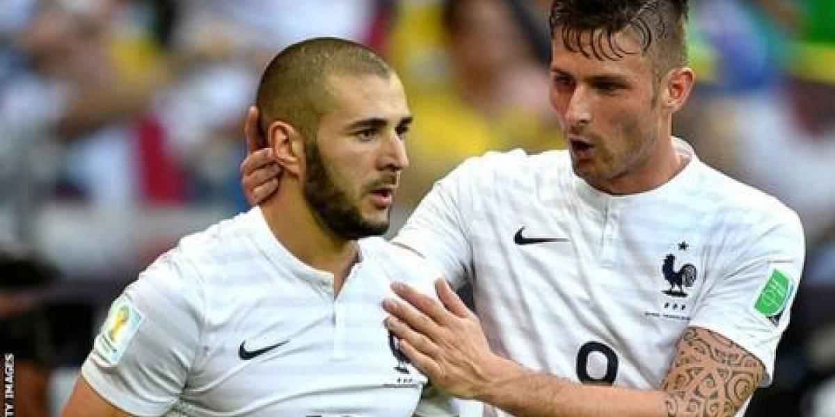 Benzema intenta aclarar sus dichos sobre Giroud, pero...