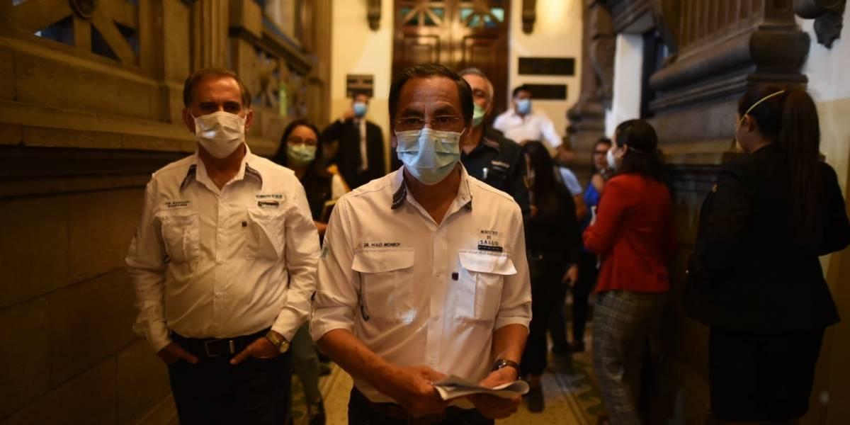 Ministro de Salud defiende reducción de toque de queda
