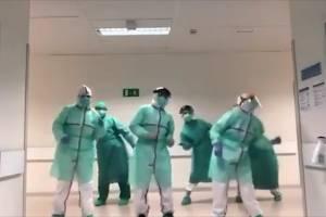 Médicos bailando al ritmo de Beyoncé