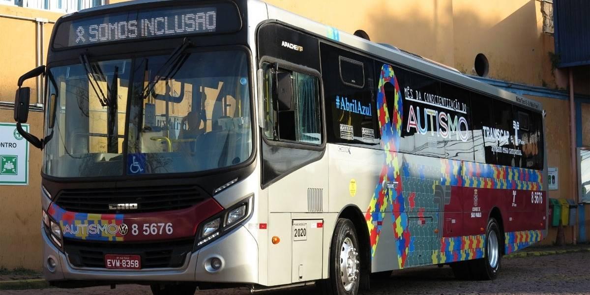 Abril Azul: ônibus da campanha de conscientização circulam por São Paulo