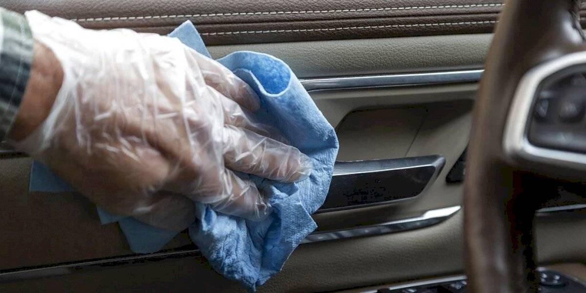 "Task Force asegura uso de guantes da una ""falsa confianza"" ante el COVID-19"