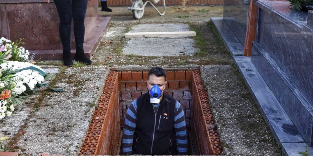 Gobierno de España declarará luto oficial tras 25.800 muertes por coronavirus