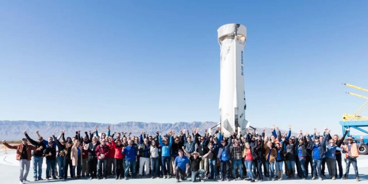 Jeff Bezos: polémica en empresa espacial por hacer trabajar a empleados durante la pandemia