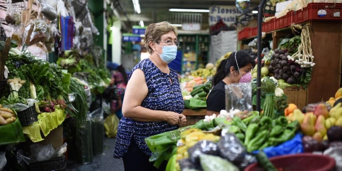Oficializan ley para apoyar a afectados por pandemia del coronavirus