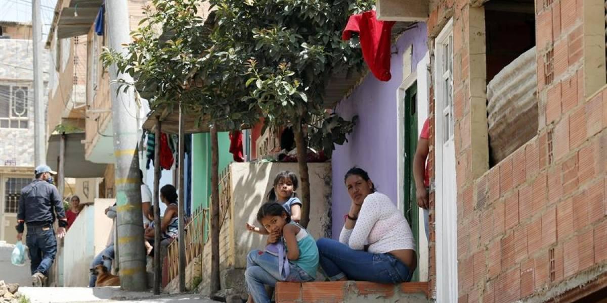 Con pañuelos rojos, Soacha clamó auxilio inmediato del Gobierno para mitigar el hambre