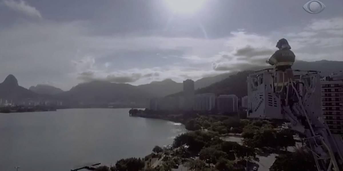 Conheça o bombeiro que emocionou o Rio tocando clássicos na quarentena