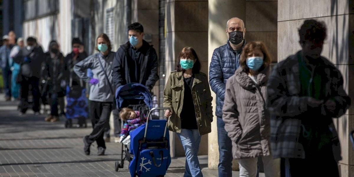 España agrega mil muertes por coronavirus a sus cifras oficiales