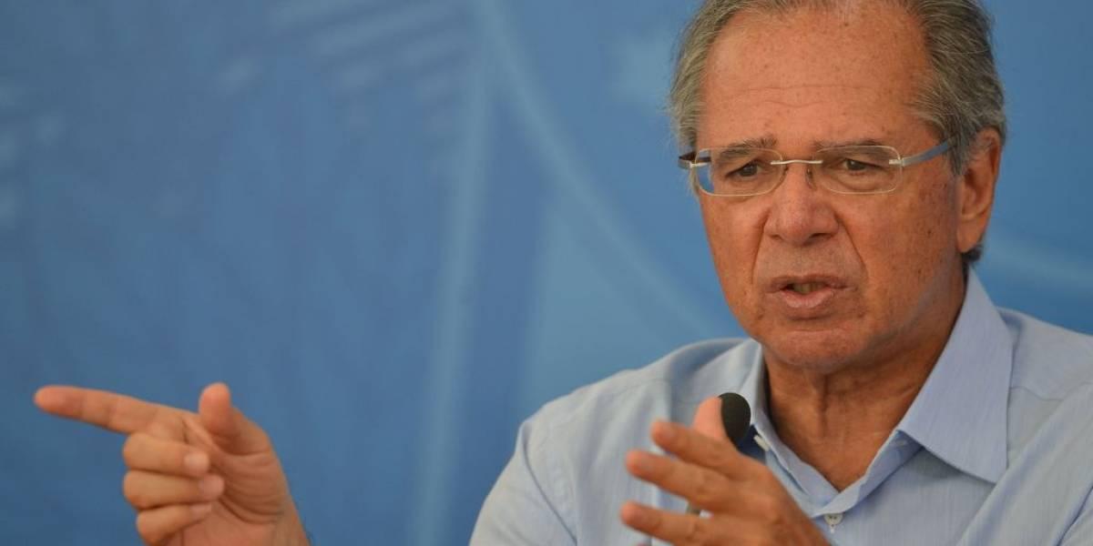 Paulo Guedes ataca Febraban e defende novo imposto digital