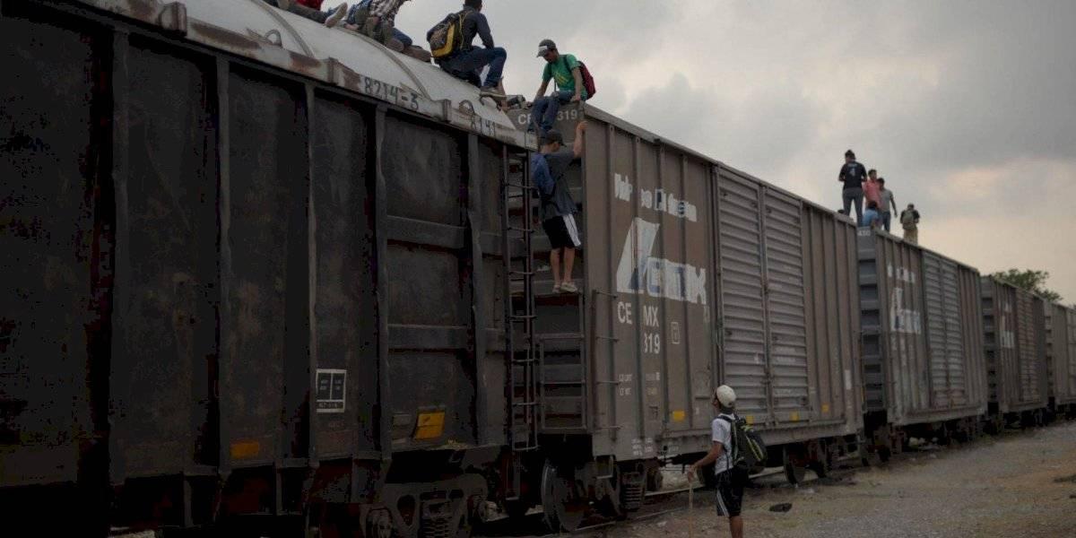 Migrante hondureño muere arrollado por tren en Oaxaca