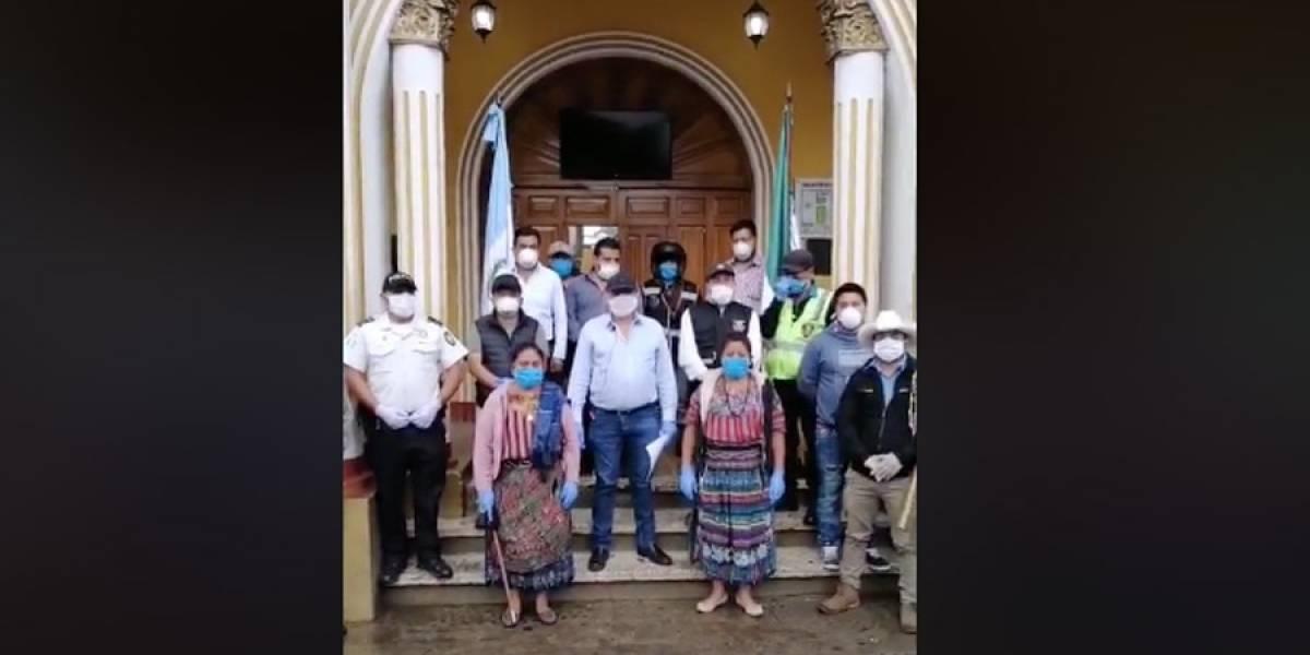 Vecinos de Patzún muestran solidaridad durante confinamiento por Coronavirus