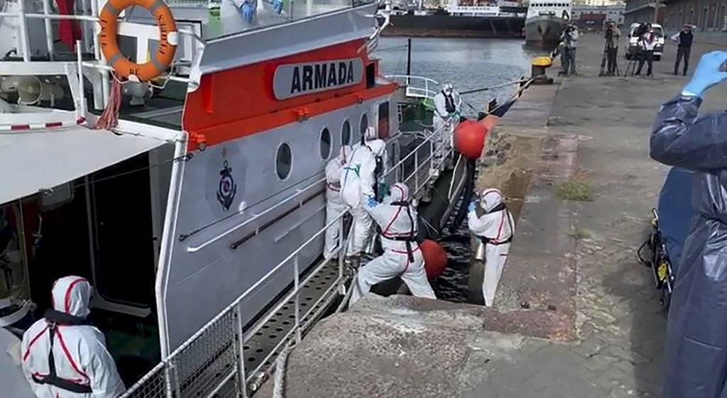 Crucero australiano anclado en Uruguay