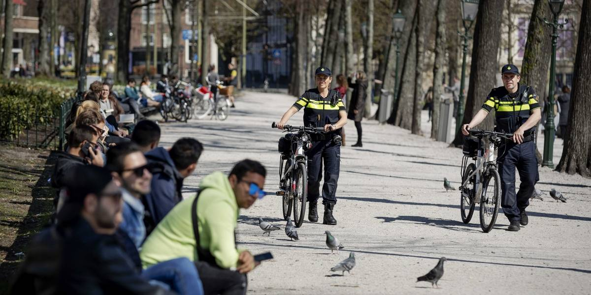 Holanda hizo el aislamiento inteligente y crecieron los casos de coronavirus