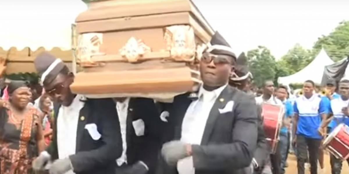 A história por trás do vídeo de africanos que dançam carregando um caixão