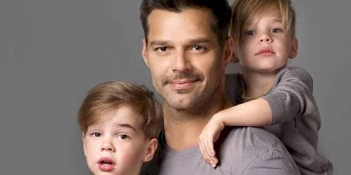 Por esta foto, fans aseguran que los hijos de Ricky Martin son iguales a la mamá