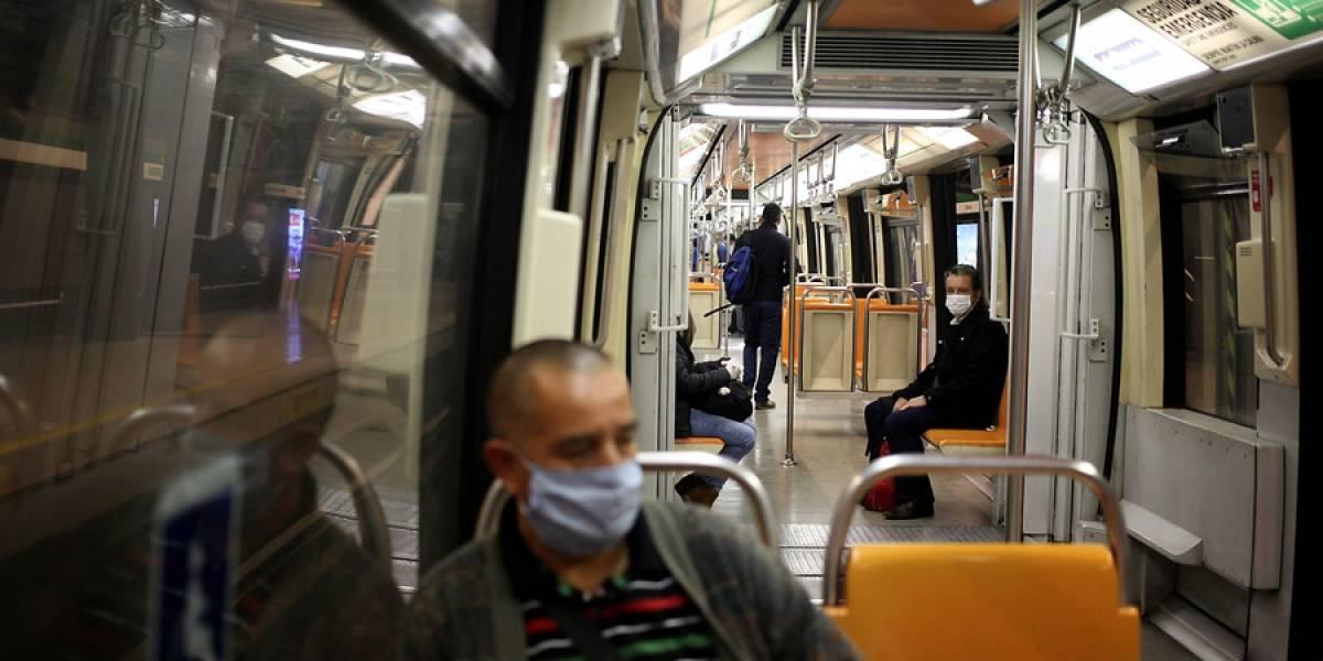 ¿A qué multas y sanciones se arriesgan quienes no usen mascarillas en el transporte público?