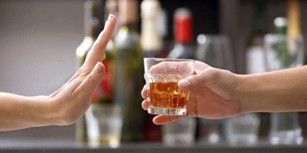 Alcoólicos Anônimos realiza reunião virtual na quarentena