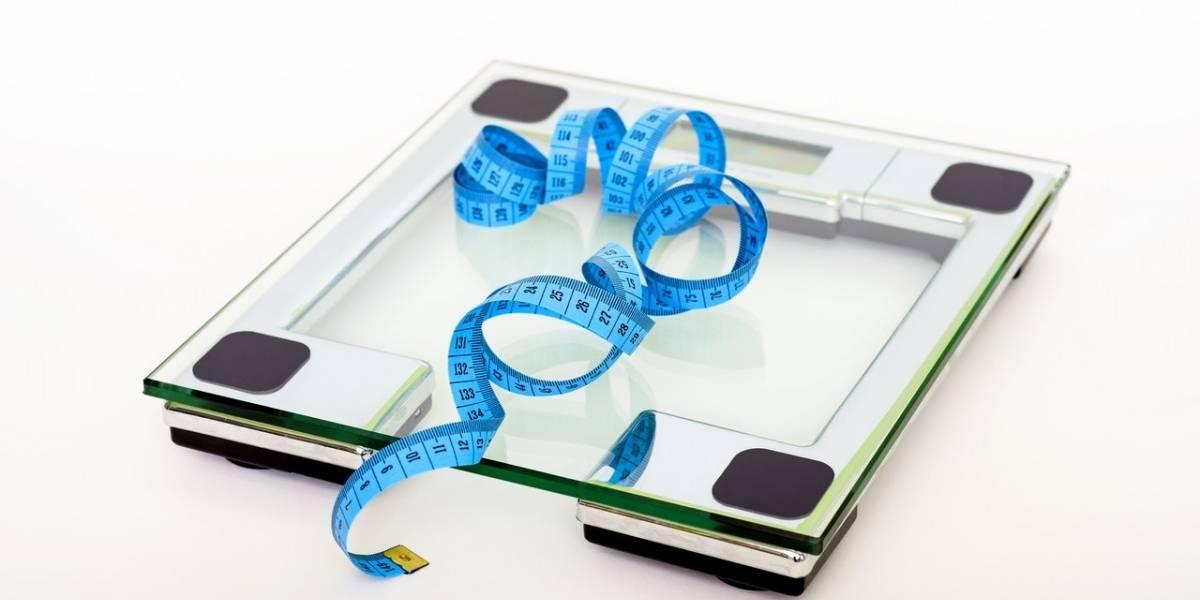Por que você deve deixar de se preocupar com seu peso durante a quarentena