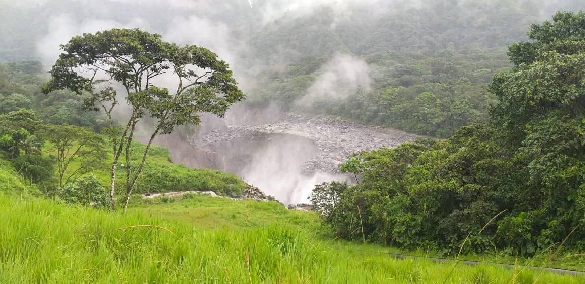 El Sistema de Oleoducto Transecuatoriano (SOTE) paralizó sus operaciones por un hundimiento de tierra en San Rafael Twitter Petroecuador