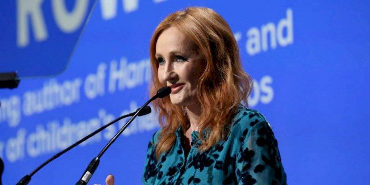 J.K. Rowling asegura que superó el Covid-19 y comparte una técnica para aliviar los síntomas