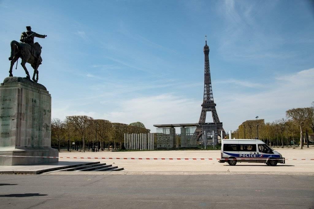 Francia vuelve a superar su peor registro de muertes por coronavirus (1.427)