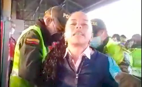Esta es la multa que recibió la mujer que insultó a policías