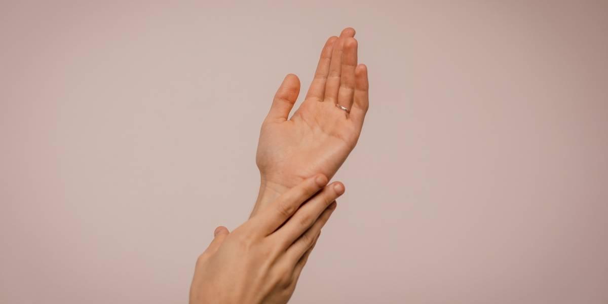 Mãos ressecadas: dicas para hidratá-las