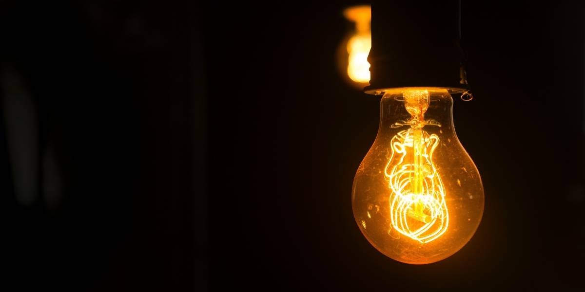 Cómo se devolverá el dinero a quienes pagaron la tarifa eléctrica con el aumento