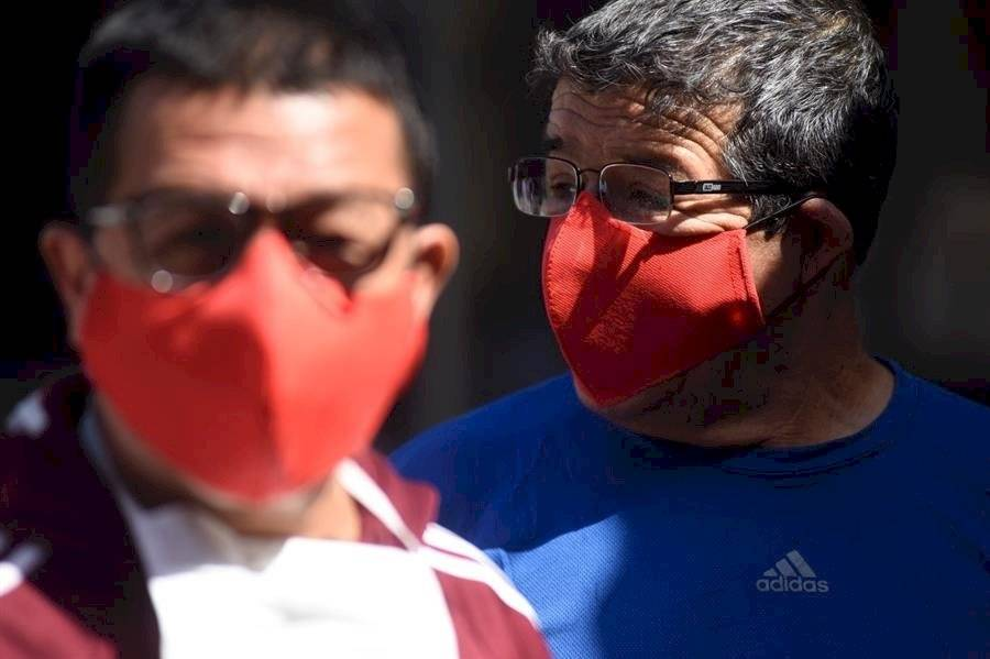 Los presos chilenos fabrican sus propias mascarillas contra el coronavirus
